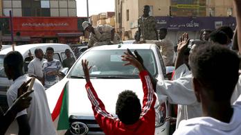 Katonai puccsistákat tartóztattak le Szudánban