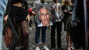 Sebesülten találtak rá a szexhálózatos Epsteinre a börtönben
