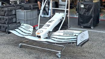 Fehér színnel lepi meg hazai drukkereit az F1-es Mercedes