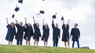 Így jártak a nők egyetemre akkor is, amikor csak férfiak járhattak
