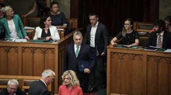 Rogán Antal papíron többet keres Orbán Viktornál