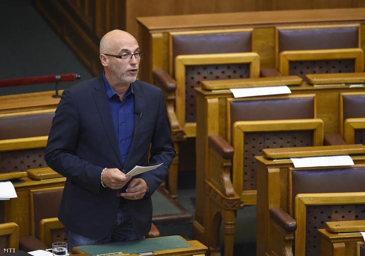 Tóbiás József az MSZP képviselője felszólal az Országgyűlés plenáris ülésén 2019. március 20-án.