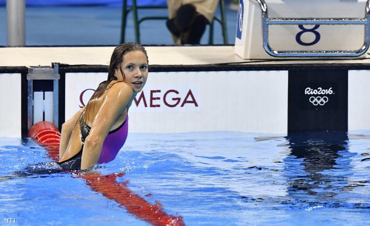 Kapás Boglárka a célban a női 800 méteres gyorsúszás döntőjében a riói nyári olimpián a Rio de Janeiró-i Olimpiai Uszodában 2016. augusztus 12-én