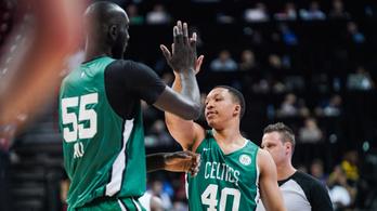 Még egy lépéssel közelebb az NBA-hez a 231 centis óriás