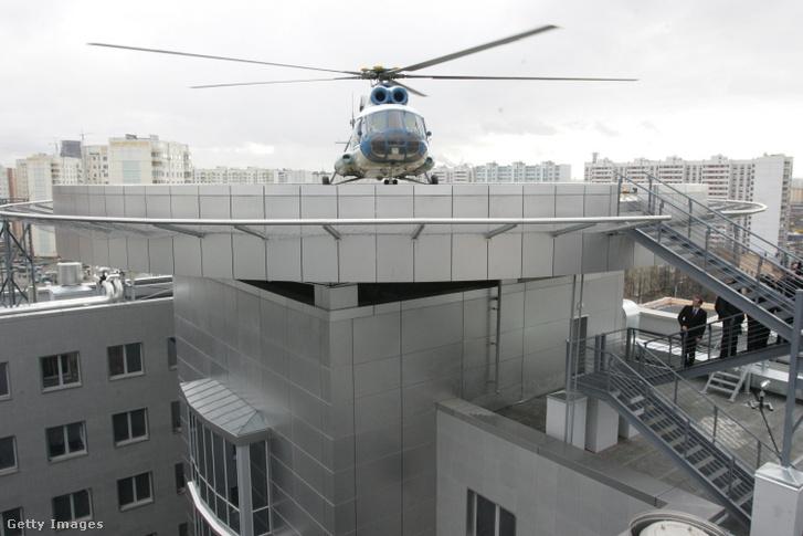 Putyin elnök helikoptere érkezik a GRU főhadiszállására