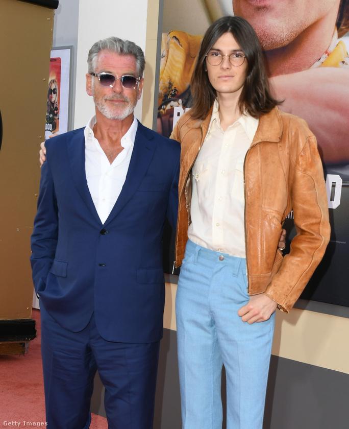 Pierce Brosnan is ott volt aOnce Upon a Time in Hollywood film premierjén, ahová 22 éves fiával, Dylan Brosnannal látogatott el.