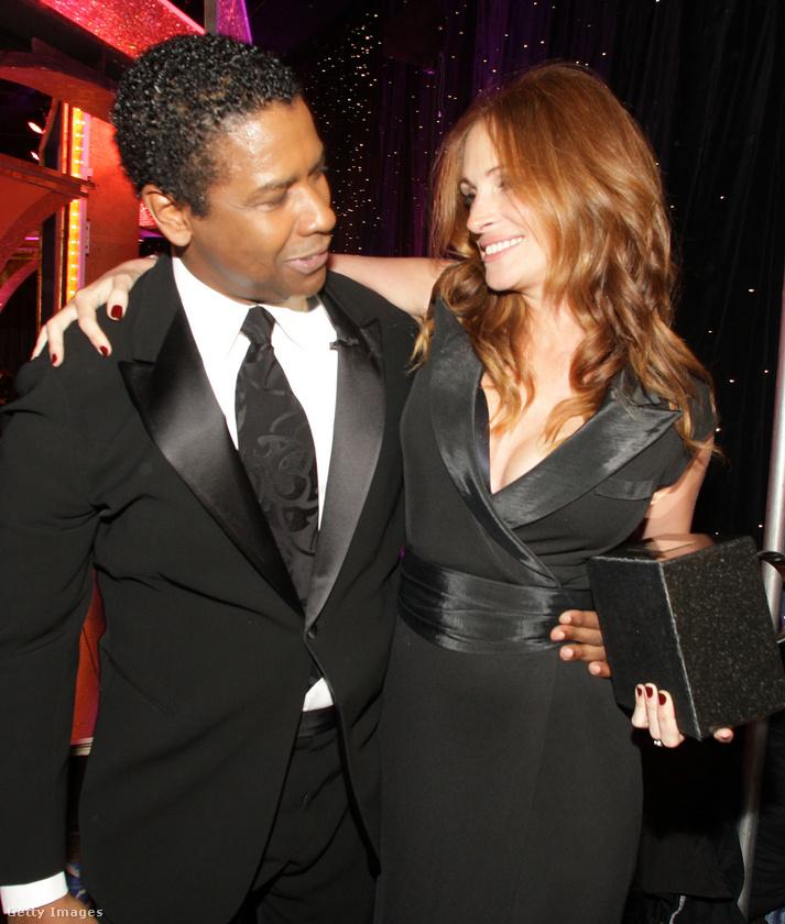 Denzel Washington és Julia Roberts(A Pelikán ügyirat)A két színész kedves barátomnak szólította egymást a forgatás során, de nem emiatt engedték el a producerek azt a forró jelenetet, amit nekik szántak