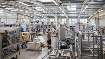Kondigépekkel kezdték, ma több millió eurós gépeket készítenek