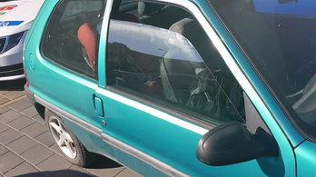 A tűző napon parkoló autóból mentettek ki egy két éves kislányt Dorogon