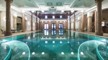 Állami támogatásból épül Mészáros luxusszállodájának medencéje