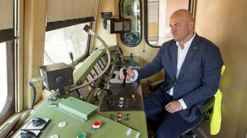 MÁV-vezér: Növelni kell a magyar vasút sebességét és megbízhatóságát