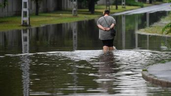 Fennakadásokat okoz a szombati eső Debrecenben