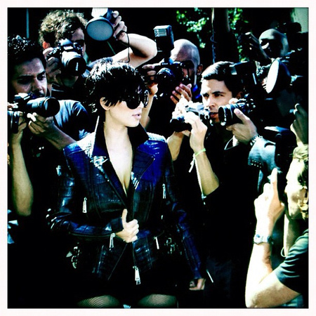 Így fotózták Kim Kardashiant