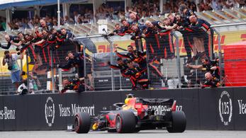 Verstappené a káoszfutam, Vettel utolsó helyről második
