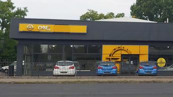 Nem egy vevőt csapott be az Opel Gombos