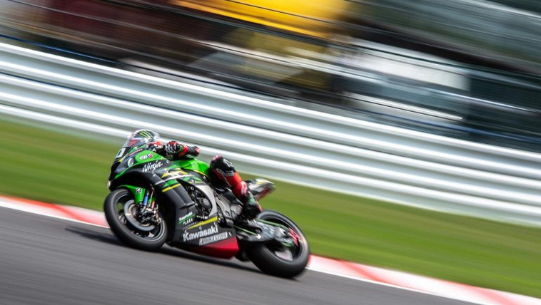 jonathan-rea-kawasaki-racing-team-suzuka-8-hours-steve-english