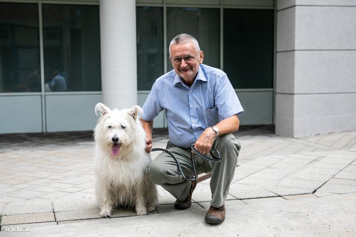 Csányi Vilmos és kutyája Janka
