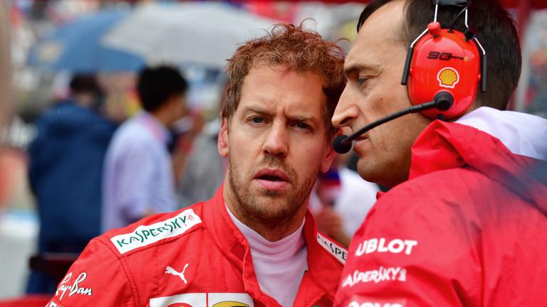 Nevetséges, hogy üzenget egymásnak Vettel és a Ferrari