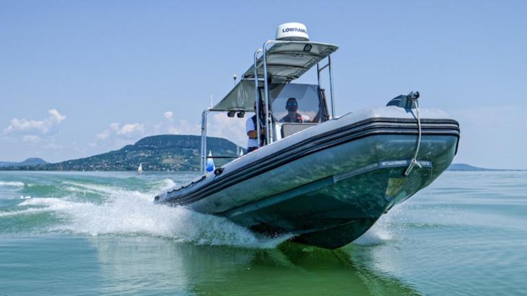 Egy hétvége alatt 39 embernek kellett segíteni, hogy partra jusson a Balatonból