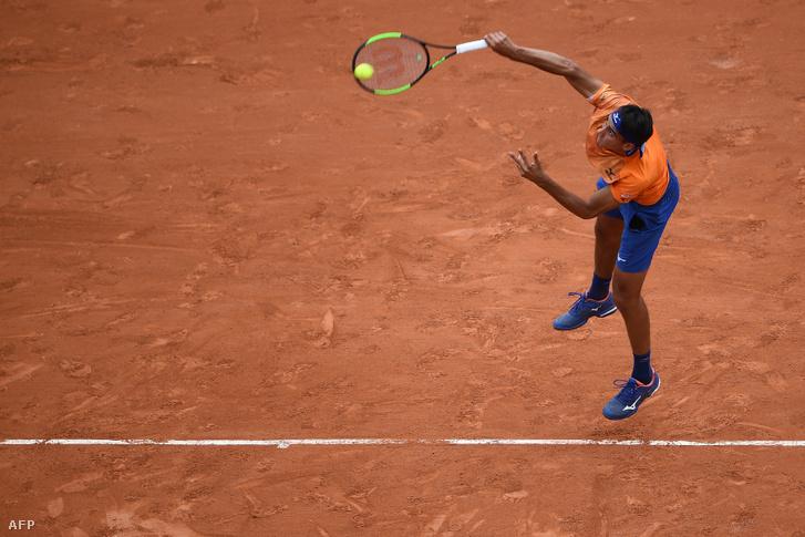 Lorenzo Sonego a Roland Garroson