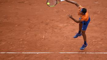 Nyolc meccslabdát kivédve nyert ATP-tornán meccset az olasz teniszező