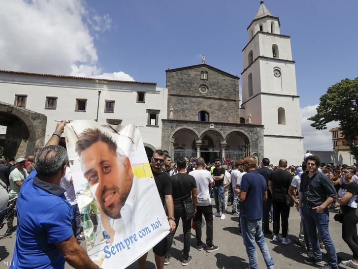 Mario Rega temetése