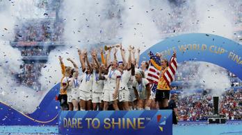 Az amerikai női focisták több pénzt kaptak, mint a férfiak