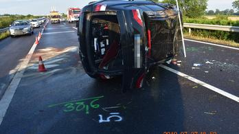 Bedrogozva okozott balesetet a BMW-s az autópályán