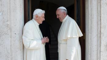 Mennyi a pápa fizetése?