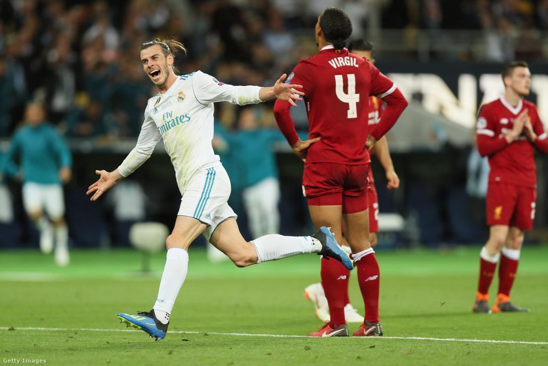 Gareth Bale ünnepli gólját a Real Madrid - Liverpool Bajnokok Ligája döntőjében Kijevben 2018. május 26-án