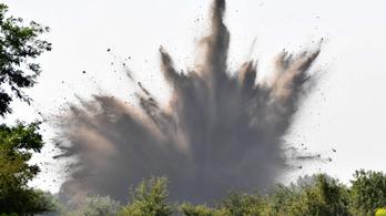 Felrobbantottak négy, Budapesten talált világháborús bombát