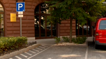 Órákig ült cellában a magyar anya, mert elsietett egy parkolást