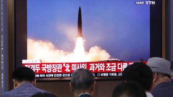 Észak-Korea azonosítatlan lövedékeket lőtt a Japán-tenger felé