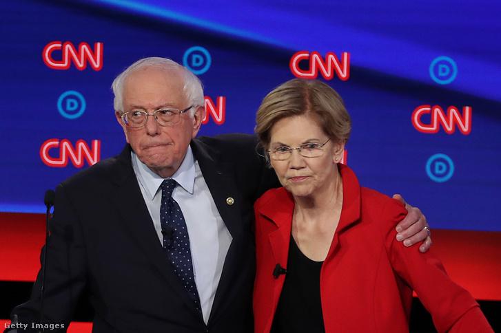 Bernie Sanders vermonti szenátor és Elizabeth Warren massachusettsi szenátor Detroitban a demokrata párt elnökjelöltjeinek tévévitáján
