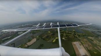 Napelemes, pilóta nélküli repülőgépet teszteltek Kínában
