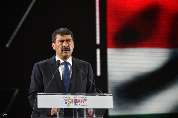 Áder János köztársasági elnök, a játékok fővédnöke beszédet mond a 15. Maccabi Európa Játékok nyitóünnepségén