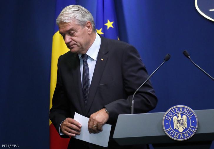 Nicolae Moga román belügyminiszter 2019. július 30-i bukaresti sajtóértekezletén bejelenti lemondását.