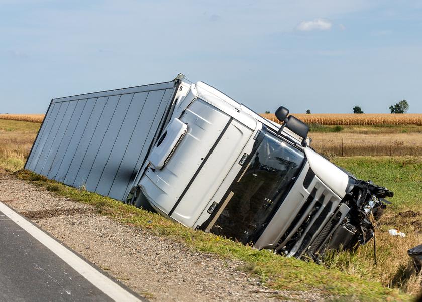 autobaleset-teherauto-kamion-baleset