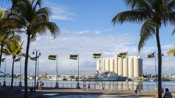 Egy apró sziget, ami három évtizede a legszegényebb országokon élősködik