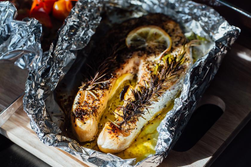 Könnyed nyári halfilé alufóliában készítve: grillezve, sütve is isteni