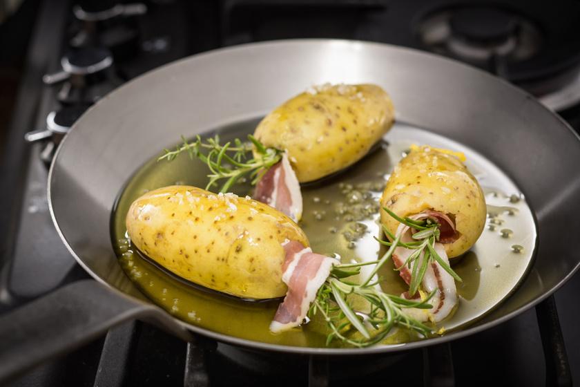 Rozmaringos, baconös töltött krumpli: igazán különleges köret