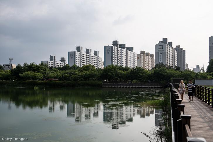 Az 1600 lakásos negyed
