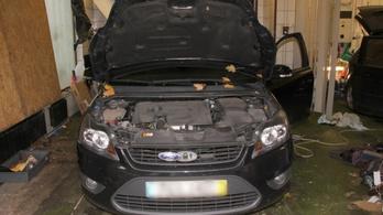 Bespeedezve ment autót lopni Újbudára a kőbányai páros
