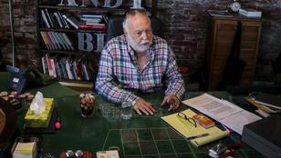 Andy Vajna ma lenne 75 éves - özvegye egy fotóval, Budapest egy kiállítással emlékezik meg róla