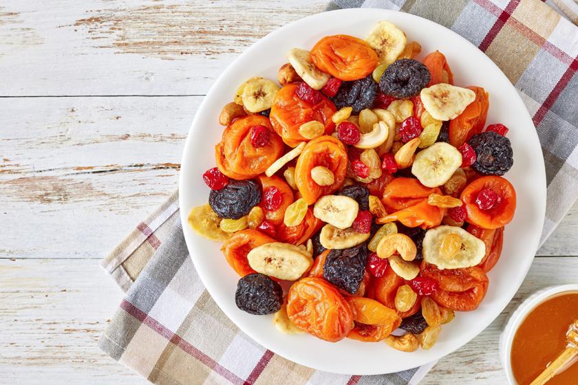 8 diétásnak hitt táplálék, ami valójában hizlal: ezeket nagy ívben kerüld el