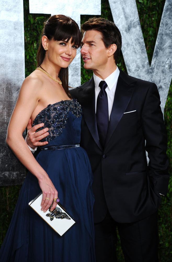 Katie Holmes és Tom CruiseBrandgelinához hasonlóan nekik is adtak nevet a rajongók, és TomKat-ként emlegették őket