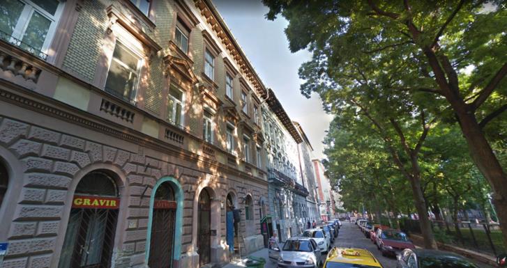 Almássy tér – Google Térkép