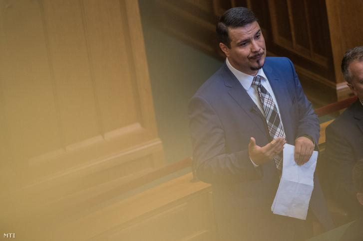 Mesterházy Attila MSZP-s képviselő napirend előtt felszólal az Országgyűlés plenáris ülésén 2018. július 17-én
