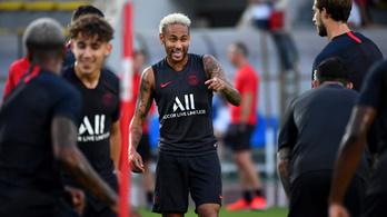 Neymar újra a PSG-ben edz, és élvezi