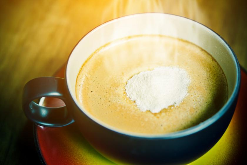 Sok kávékrémpor tartalmaz nátrium-alumínium-szilikátot, amely bőr-, szem-, és légúti irritációt okozhat, ráadásul egyes krémporok a bennük levő növényi zsiradékok miatt hozzájárulhatnak a szív- és érrendszeri betegségek kialakulásához.